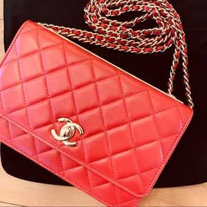 CHANEL Lambskin Quilted Trendy CC wallet on chain